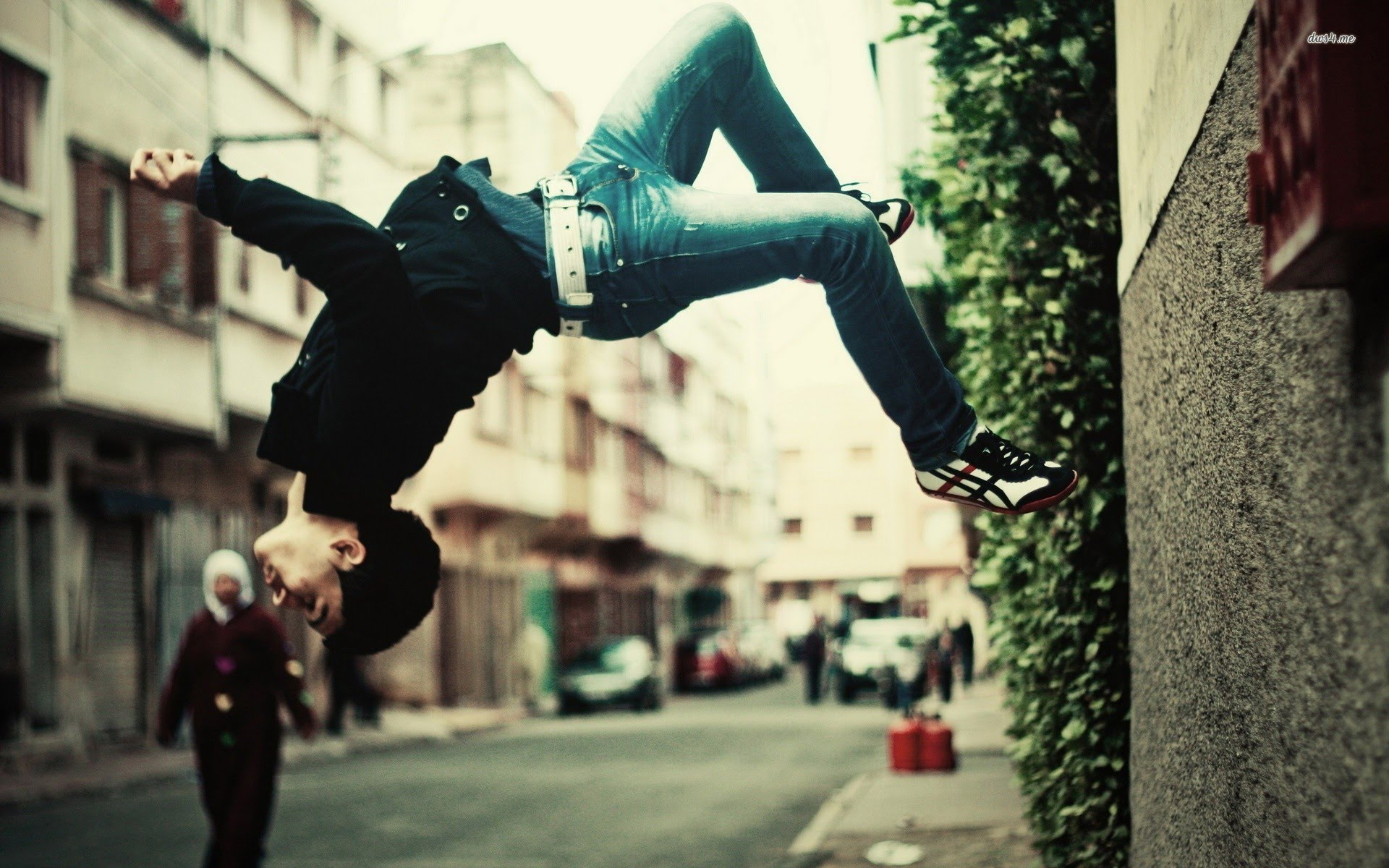parkour-move-performed-in-shoes